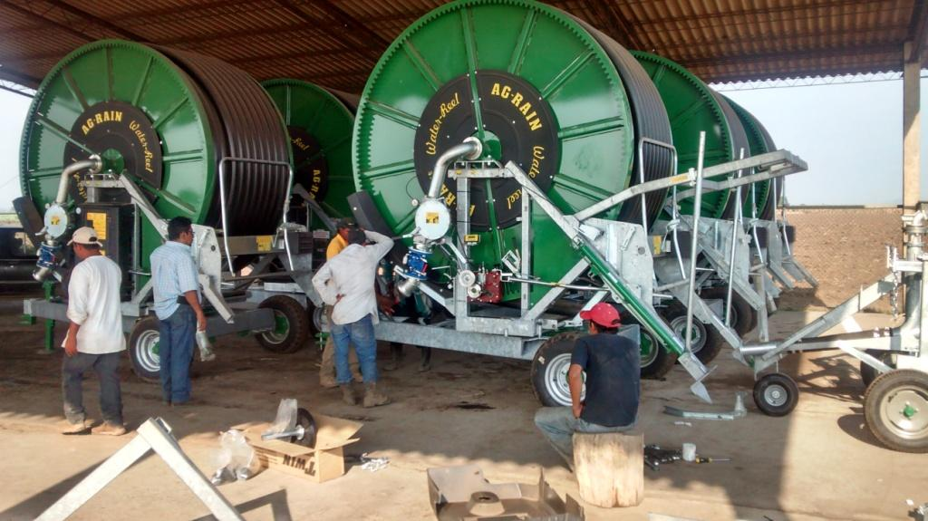 Assembly of Kifco water-reels in El Salvador